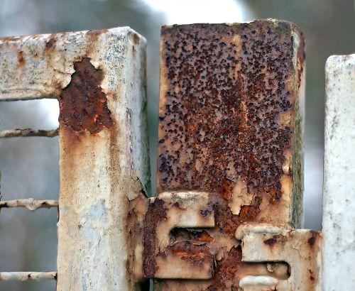 ржавчина на заборе