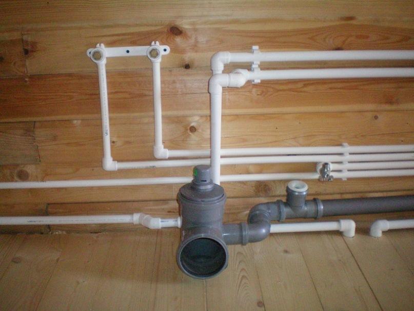 Подвод воды от скважины в дом