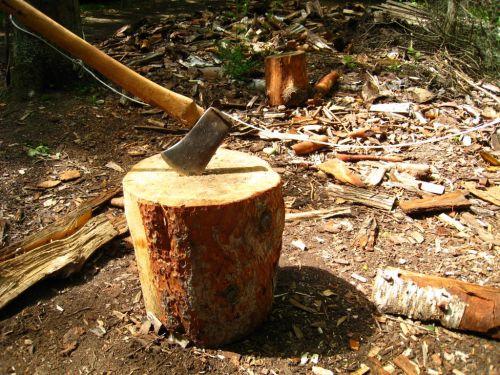chop-wood-pixgoodDOTcom